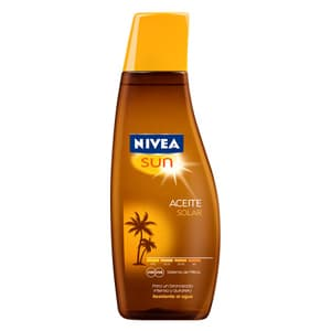 Deliregalos.com - Nivea Sun Aceite FPS2 200ml - Codigo:ABJ44 - Detalles: Aceite solar FPS 2 x 200 ml. El Aceite Solar le da a tu piel un hermoso bronceado dorado. Su f�rmula con complejo de l�pidos y aceite de jojoba mantiene el nivel de humectaci�n de la piel, dej�ndola suave.El sistema de proteccion NIVEA SUN UVA/UVB brinda baja proteccion sobre las quemaduras solares.Resistente al agua.Su contenido de vitamina E protege contra los radicales libres.Dermatologicamente probado  - - Para mayores informes llamenos al Telf: 225-5120 o 476-0753.