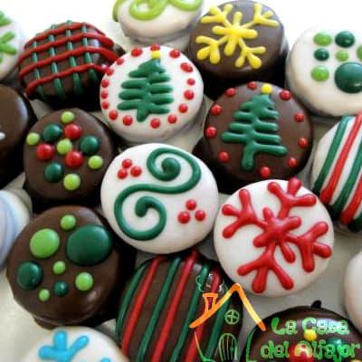 Diloconrosas.com - Pack Navidad 01 - Codigo:AFN01 - Detalles: Deliciosos alfajores grandes de 4cm c/u rellenos con exquisito manjar blanco, la decoracion es en exquisita masa elastica, cada uno viene en elegante elvoltura de aluminio y la presentacion es en caja de regalo. Cantidad: 16 unidades - - Para mayores informes llamenos al Telf: 225-5120 o 476-0753.