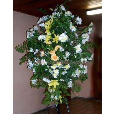 Tortas.com.pe - Arreglo Corporativo 02 - Codigo:AGP02 - Detalles: Composici�n floral compuesta por flores de estaci�n y liliums. el arreglo tiene una altura de 2.4m Se debe solicitar con m�nimo 24 horas de anticipaci�n.  - - Para mayores informes llamenos al Telf: 225-5120 o 476-0753.