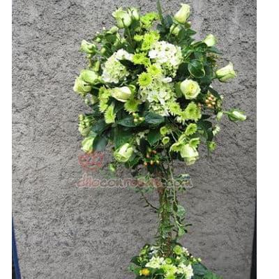 Tortas.com.pe - Topiario Corporativo 09 - Codigo:AGP09 - Detalles: Imponente arreglo compuesto por flores y follaje de estaci�n. Mide 1.2m de alto y debe ordenarse con 24 horas de anticipaci�n. - - Para mayores informes llamenos al Telf: 225-5120 o 476-0753.