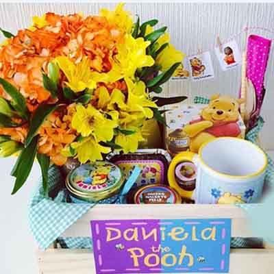 Deliregalos.com - Desayuno unisex 04 - Codigo:AMB04 - Detalles: Taza personalizada con infusiones, sandwich de lomito, ensalada de frutas, tostadas 4 , mermelada, manteqilla, frasquito de exclusivos dulces, 1 arreglo de flores de estacion, caja de madera, cubiertos.  Pedido con 72 horas de anticipacion - - Para mayores informes llamenos al Telf: 225-5120 o 476-0753.