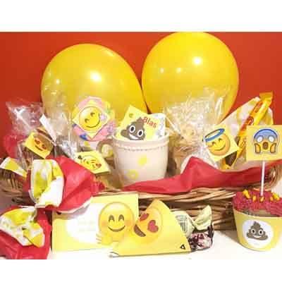 Deliregalos.com - Desayuno unisex 06 - Codigo:AMB06 - Detalles: Desayuno compuesto por taza personalizada con infusiones, triple de jamon queso y pollo, 1 lomito, 2 bonobon, 1 mffin ba�ado en chocolate con grajeas, 3 palitos de queso, 3 palitos de ajonjoli, galletas chocochip, 2  azucar, cubiertos, servilleta, 2 tostadas , mantequilla, mermelada. incluye dos globos multicolores, todo va en una  cesta de mimbre.  Pedido con 72 horas de anticipacion - - Para mayores informes llamenos al Telf: 225-5120 o 476-0753.