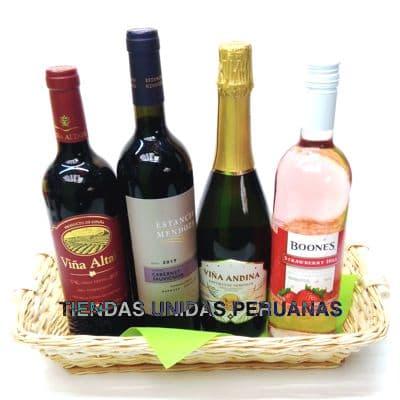 Diloconrosas.com - Canasta A�o Nuevo 2 - Codigo:ANN02 - Detalles: Canasta de mimbre, incluyendo: Tarjeta de dedicatoria, mo�o de regalo, sella para transporte. Contiene:  - Un Cava Castell - Un Vi�a Vieja - 1 Vino Boones - 1 Vino Astica   - - Para mayores informes llamenos al Telf: 225-5120 o 476-0753.