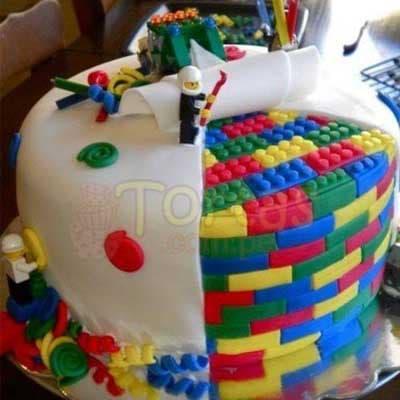 Especial 17 - Codigo:ARQ17 - Detalles:  Deliciosa torta de keke ingles bañada con manjar y forrada con masa elastica de 25cm de diametro,muñequitos en fotoimpresion no comestible,decoracion según imagen,base forrado en papel de aluminio - - Para mayores informes llamenos al Telf: 225-5120 o 4760-753.