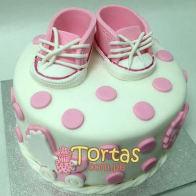 Torta Baby 08 - Codigo:BBT08 - Detalles: Torta a base de keke ingles bañado con manjar blanco y forrada con masa elástica. Tamaño:  15cm de diametro. Incluye zapatos en azucar - - Para mayores informes llamenos al Telf: 225-5120 o 4760-753.