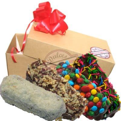 Deliregalos.com - Deliciosas bizcotelas - Codigo:CHJ01 - Detalles: Cuatro deliciosas bizcotelas ba�adas en chocolate b�ter y decoradas con grageas de colores. El presente viene en una caja de regalo e incluye una tarjeta de dedicatoria. - - Para mayores informes llamenos al Telf: 225-5120 o 476-0753.