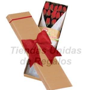 Deliregalos.com - Caja de Rosas 12 - Codigo:CJS12 - Detalles: Elegante caja ecol�gica de 12 rosas importadas, lazo rustico de cinta, incluye tarjeta de dedicatoria.   - - Para mayores informes llamenos al Telf: 225-5120 o 476-0753.