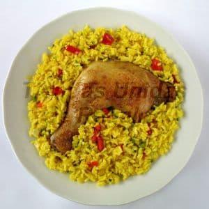 Arroz con Pollo x 1 - Codigo:CMD05 - Detalles: Exquisito plato arroz con pollo, presa de 1/4 de pollo, el presente incluye cubiertos, servilleta, tarjeta de dedicatoria y vienen presentados en una elegante fuente de acrílico cristal. - - Para mayores informes llamenos al Telf: 225-5120 o 4760-753.