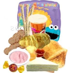 Deliregalos.com - Desayuno y Globo con Feliz dia 45cm - Codigo:DCS05 - Detalles: Desayuno en cajita de regalo conteniendo:  Jugo de N�ctar de Naranja, s�ndwich mixto, tostadas, mermelada de fresa, porci�n de yogurt, galletas de chispas de chocolate, palitos de queso, s�ndwich triple de queso y jam�n, bomb�n de chocolate, Globo gigante de 45cm de alto inflado con helio con mensaje Feliz Dia, incluye tarjeta de dedicatoria y juego de cubiertos. Este pedido se debe solicitar con 48 horas utiles de anticipacion, de lo contrario el globo de 45cm se reemplazara por 3 globos con helio y un globo metalico grande de 20cm - - Para mayores informes llamenos al Telf: 225-5120 o 476-0753.