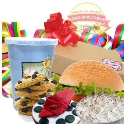 Deliregalos.com - Desayuno Felicidad - Codigo:DCS06 - Detalles: Delicioso desayuno compuesto por un  refrescante jugo de frutas, sandwich en pan especial de jamon y queso, postre de tres leches u otro postres,  pack de galletas de chispa de  chocolate  y muffin  artistico de cortes�a,  incluye tarjeta de  dedicatoria, cubiertos y servilleta. Como detalle especial el regalo viene con serpentina de regalo. El presente viene en una elegante caja - - Para mayores informes llamenos al Telf: 225-5120 o 476-0753.