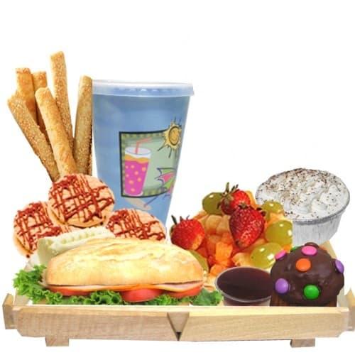 Lafrutita.com - Desayuno bandeja de madera - Codigo:DDP23 - Detalles: Bandeja conteniendo: jugo de frutas, sobre con caf�, , moffin ba�ado de chocoalte decorado,s�ndwich mixto en plan especial, postre de tres leches, ensalada de frutas, 4 galletas de chispa de chocolate  y palitos de queso, muffin de cortesia. Incluye juego de cubiertos y tarjeta de dedicatoria, porcion de yogurt y cereal.  - - Para mayores informes llamenos al Telf: 225-5120 o 476-0753.