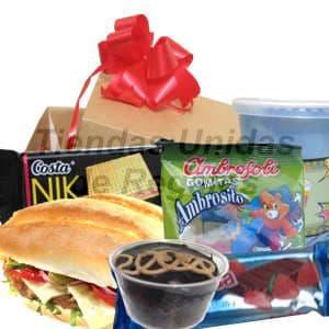 Desayuno Ni�os 02 - Codigo:DNN02 - Detalles: Desayuno compuesto por: una cajita de regalo conteniendo, individual decorativo, juego de cubiertos acr�licos, jugo de frutas, Gomitas ambrosilo, Postre de chocolate, wafer nik de costa, chocolate  con relleno  de fresa, s�ndwich de queso, tomate y lechuga, tarjeta de  dedicatoria.  - - Para mayores informes llamenos al Telf: 225-5120 o 4760-753.