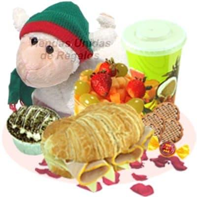 Desayuno navideño 03 - Codigo:DNV03 - Detalles: Sandwich mixto en croisant, jugo de frutas, galletas de chispas de chocolate, postre de 3 leche, ensalada de frutas, peluche navideño. Todo en una caja de regalo - - Para mayores informes llamenos al Telf: 225-5120 o 4760-753.