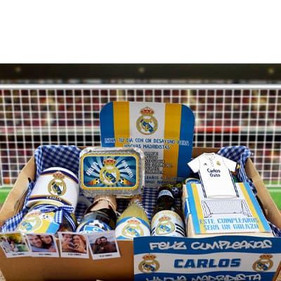 Lafrutita.com - Desayuno deportivo 03 - Codigo:DPT03 - Detalles: Desayuno compesto por taza personalizada del Real Madrid, 2 cervezas artesanales,  1 prDe Vainilla personal,, 1 triple de pollo jamon y huevo, 1 caja de vizzio de 80 gr, 1 corona, 3 palitos de queso, 3 palitos de ajonjoli, incluye im�genes peque�as a full color, caja de 25 x 25 cm.  Pedido con 72 horas de anticipacion - - Para mayores informes llamenos al Telf: 225-5120 o 476-0753.
