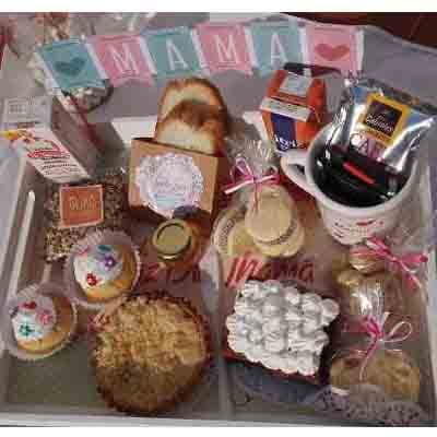 Tortas.com.pe - Desayuno especial 17 - Codigo:DSP17 - Detalles: Desayuno para mam�, incluye taza personalizada, infusiones, caf�, 2 azucar, muffin decorado con masa elastica, 1 jugo de frutas,1 caja de chocolatada, 4 alfajorcitos, 1 postre 3 leches, 1 postre tartaleta, 1 sandwich mixto, 4 tostadas, 1 porcion de mantequilla, 1 porcion de mermelada, 1 brownie,  todo en una bandeja con patitas - - Para mayores informes llamenos al Telf: 225-5120 o 476-0753.