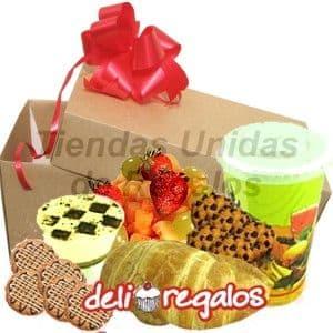 I-quiero.com - Desayunos Sorpesa  14 - Codigo:DSV14 - Detalles: Desayuno exquisito compuesto por, jugo de frutas, galletas de chispas de chocolate, ensalada de frutas, s�ndwich mixto en pan Pan Bimbo Especial, postre de chocolate. Juego de cubiertos acr�licos Individual Decorativo Servilleta Todo el desayuno viene en una original caja de regalo con mo�o de cinta de agua.  - - Para mayores informes llamenos al Telf: 225-5120 o 476-0753.