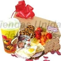 I-quiero.com - Desayunos Sorpresa 16 - Codigo:DSV16 - Detalles: Exquisito desayuno contiene: Jugo de frutas, galletas de chispas de chocolate x4 , ensalada de frutas, porci�n de 4 huevitos de codorniz, salsa secreta, s�ndwich de pan de semillas, jam�n, queso y huevo de codorniz, Juego de cubiertos acr�licos Individual Decorativo Servilleta Todo el desayuno viene en una original caja de regalo con mo�o de cinta de agua. - - Para mayores informes llamenos al Telf: 225-5120 o 476-0753.