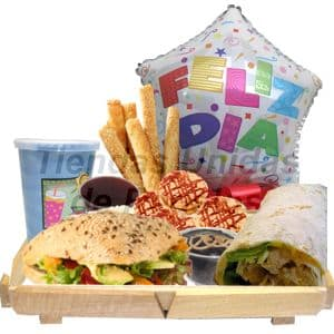 Desayuno Vegetariano 6 - Codigo:DVV06 - Detalles: Bandeja de madera con patitas conteniendo, jugo de frutas, mermelada de fresa, mantequilla, palitos de ajonjol�, galletas choco chip, Pan Bimbo Especial con queso, tomate, lechuga, postre brownie, enrollado especial a base de champi�ones, queso y verduras. El regalo incluye cubiertos, servilleta y tarjeta de dedicatoria. Globo Met�lico de feliz d�a de 20cm. - - Para mayores informes llamenos al Telf: 225-5120 o 4760-753.