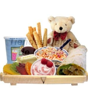 Desayuno Vegetariano 8 - Codigo:DVV08 - Detalles: Bandeja de madera con patitas conteniendo, jugo de frutas, postre tartaleta de fresa, porci�n de yogurt de soya, porci�n de cereal, palitos de ajonjol�, mantequilla, mermelada, enrollado vegetariano a base de champi�ones, verduras y queso, el desayuno incluye tarjeta de dedicatoria, servilleta, juego de cubiertos y peluchito de osito de 25cm. El color y modelo del peluche es referencial - - Para mayores informes llamenos al Telf: 225-5120 o 4760-753.