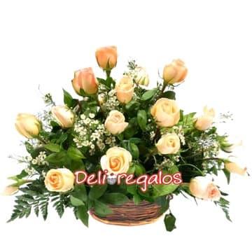 Lafrutita.com - Para ti - Codigo:ARL31 - Detalles: Elegante arreglo compuesto de 12 rosas, flores y follaje de estaci�n.  - - Para mayores informes llamenos al Telf: 225-5120 o 476-0753.
