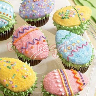 Lafrutita.com - Muffins pascuas - Codigo:EAS11 - Detalles: Media docena de Muffins de Pascuas, seg�n dise�os de la imagen, los muffins son de vainilla, rellenos con manjar blanco y toda la decoraci�n es en masa el�stica. Colores variados seg�n imagen. El producto viene en una linda caja de regalos, incluye tarjeta de dedicatoria. - - Para mayores informes llamenos al Telf: 225-5120 o 476-0753.