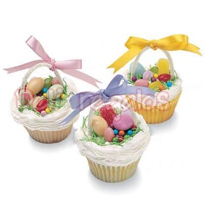 Lafrutita.com - 3 Muffins Deluxe de Pascuas - Codigo:EAS05 - Detalles: 3 Muffins Deluxe de Pascuas incluye una asita de az�car y cada muffin decorado con cinta de agua. Los muffins incluyen caja de regalo y tarjeta de dedicatoria. Toda la decoracion es de masa elastica. Este producto debe ordenarse con 48 horas de anticipaci�n.  - - Para mayores informes llamenos al Telf: 225-5120 o 476-0753.