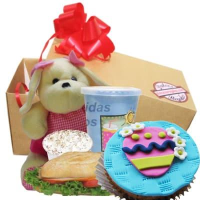 Desayuno Pascuas 15 - Codigo:EAS15 - Detalles: Desayuno en caja, contiene jugo de frutos sandwich mixto y cupcake de pascuas, incluye postres de tres leches y peluche de 15cm de altura generico. - - Para mayores informes llamenos al Telf: 225-5120 o 4760-753.