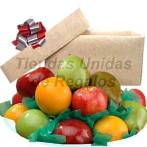 Diloconrosas.com - Frutero 15 - Codigo:FCC15 - Detalles: Deliciosas frutas enteras: 2 peras, 3 manzana, 3 kiwi, 2 naranjas, 3 durazno.   El presente viene en una caja de carton ecol�gico, la disposici�n y corte es solo referencial.El regalo viene sellado herm�ticamente para garantizar su frescura y m�xima calidad. Incluye tarjeta de dedicatoria. Este producto no puede ser enviado en horario especial (6-8am), tambi�n deber� ser pedido con 24 horas de anticipaci�n. - - Para mayores informes llamenos al Telf: 225-5120 o 476-0753.