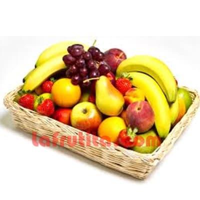 Lafrutita.com - Frutero Especial 03 - Codigo:FGR03 - Detalles: Cesta Grande conteniendo, 5 pl�ntanos, 4 manzanas, 1 pi�a, 2 racimos de uva, 2 peras, 2 kiwis, 2 mangos, 2 naranjas. El presente viene sellado al vacio para garantizar su frescura. La foto de la cesta es referencia.   - - Para mayores informes llamenos al Telf: 225-5120 o 476-0753.