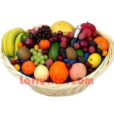 Lafrutita.com - Frutero Grande 07 - Codigo:FGR07 - Detalles: Cesta Grande conteniendo, 5 pl�ntanos, 4 manzanas, 4 cerezas, 2 racimos de uva, 2 peras, 2 kiwis, 2 mangos, 2 naranjas. El presente viene sellado al vacio para garantizar su frescura. Incluye Espumante Santiago Queirolo. La foto de la cesta es referencia.  - - Para mayores informes llamenos al Telf: 225-5120 o 476-0753.