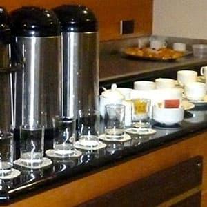 Tortas.com.pe - Catering Velorio 40 - Codigo:FNB05 - Detalles: 25 Tazas de Cafe en vasos descartables, 40 minisandwichs de jamon con queso. - - Para mayores informes llamenos al Telf: 225-5120 o 476-0753.