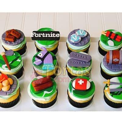 Tortas.com.pe - Cupcakes Fortnite 05 - Codigo:FNC05 - Detalles: Deliciosos cupcakes de vainilla, decoracion en masa elastica segun imagen. x12 unidades. El presente viene en una elegante caja de regalo color madera. Incluye tarjeta de dedicatoria. - - Para mayores informes llamenos al Telf: 225-5120 o 476-0753.