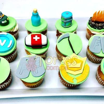 Tortas.com.pe - Cupcakes Fortnite 06 - Codigo:FNC06 - Detalles: Deliciosos cupcakes de vainilla, decoracion en masa elastica segun imagen. x12 unidades. El presente viene en una elegante caja de regalo color madera. Incluye tarjeta de dedicatoria. - - Para mayores informes llamenos al Telf: 225-5120 o 476-0753.