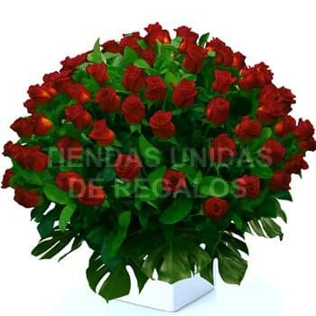 I-quiero.com - Esperanza de 100 Rosas - Codigo:GCM04 - Detalles: Base de ceramica, 100 rosas importadas segun imagen. altura del arreglo de 70cm. Incluye tarjeta de dedicatoria y follaje de estaci�n. - - Para mayores informes llamenos al Telf: 225-5120 o 476-0753.