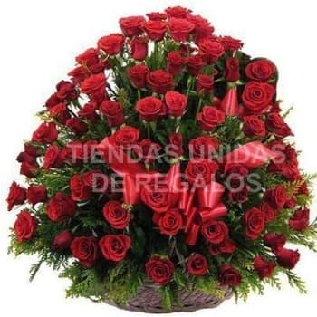 Deleite de 150 rosas - Codigo:AGP26 - Detalles: Base de mibre, 150 rosas importadas segun imagen. altura del arreglo de 70cm. Incluye tarjeta de dedicatoria y follaje de estaci�n. - - Para mayores informes llamenos al Telf: 225-5120 o 4760-753.