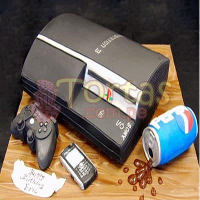 Torta PlayStation 3 13 - Codigo:JVD13 - Detalles: Torta hecha a base de queque ingles relleno de fruta confitada, pasas, bañado en manjar blanco, forrado y decorado en su totalidad con masa elástica. Mide  20 X30, incluye toda la decoración en masa elástica. Base forrada en papel aluminio.  - - Para mayores informes llamenos al Telf: 225-5120 o 4760-753.