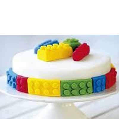 Tortas.com.pe - Torta Lego 01 - Codigo:LGT01 - Detalles: keke De Vainilla   ba�ado en manjar y forrado en su totalidad con masa elastica, con las siguientes medidas: 15cm de di�metro, bloques modelados con masa elastica - - Para mayores informes llamenos al Telf: 225-5120 o 476-0753.
