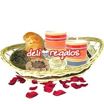 Tortas.com.pe - Linda Tarde - Codigo:LOS01 - Detalles: Canasta de Mimbre,2 Tazas de Ceramica,2 Caf� Personales,1 Empanada de Carne,1 Empanada de Pollo,1 Copa de Suspiro, Postre tres Leches,1 Muffin Chocolate,4 sachets de azucar,Individual,1 tarjeta de felicitaci�n - - Para mayores informes llamenos al Telf: 225-5120 o 476-0753.