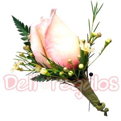 Tortas.com.pe - Botonier 08 - Codigo:MAM08 - Detalles: Lindo Botonier a base de 1 rosas importada. Este producto se debe ordenar con 48 horas utiles de anticipacion. - - Para mayores informes llamenos al Telf: 225-5120 o 476-0753.