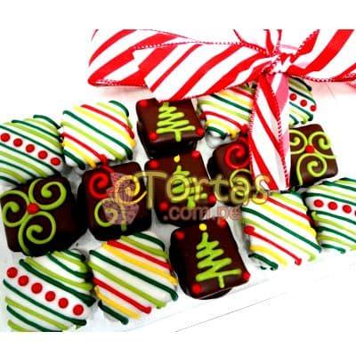 Alfajores Navideños 02 - Codigo:NAC02 - Detalles: Deliciosos 15 alfajores cuadrados rellenos con manjar blanco decorados totalmente con masa elástica. Producto va en una caja de regalo sellada - - Para mayores informes llamenos al Telf: 225-5120 o 4760-753.