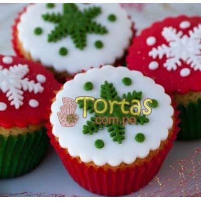 Deliregalos.com - Muffin Navide�os 02 - Codigo:NAC08 - Detalles: 4 deliciosos muffins de vainilla decorados con masa el�stica - - Para mayores informes llamenos al Telf: 225-5120 o 476-0753.