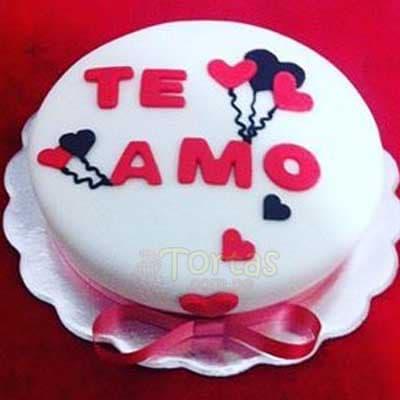 Deliregalos.com - Enamorados 01 - Codigo:NMR01 - Detalles: Deliciosa torta de keke De Vainilla ba�ada con manjar y forrada con masa elastica de Medida: de 20 cm diametro,decoracion seg�n imagen, base forrado en papel de aluminio. - - Para mayores informes llamenos al Telf: 225-5120 o 476-0753.