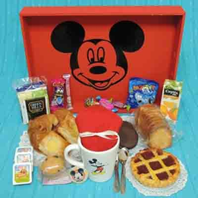 Deliregalos.com - Desayuno ni�o04 - Codigo:NOS04 - Detalles: Desayuno mickey , compuesto pro taza personalizada, 1 sandiwch de pollo con durazno , infusiones, caf�, postre de tartaleta, 4 tostadas, porcion de mantequilla y mermelada, cajita de chocolatada, cajita de frugos, muffin ba�ado en chocolate, 2 bonobon, todo en una caja de regalo, bolsa de gomitas - - Para mayores informes llamenos al Telf: 225-5120 o 476-0753.
