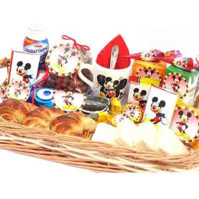 Deliregalos.com - Desayuno ni�o13 - Codigo:NOS13 - Detalles: Desayuno monster inc compuesto por taza personalizada, porcion de popcorn, mini galletas chocochip, 1 caja de leche chocolatada, 1 caja de frugos, 1 tartaleta, 2 bonobon, 1 sandwich de lomito ahumado, 1 sticker en tama�o A5 de frozzen, 1 poster tama�o A4, todo en una caja de rgalo, 2 chupetines - - Para mayores informes llamenos al Telf: 225-5120 o 476-0753.