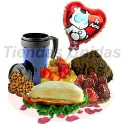 Deliregalos.com - Desayuno OFE11 con Globo Te amo - Codigo:OFE11 - Detalles: Bandeja de Cart�n ecol�gico conteniendo: Jarra t�rmica de caf�, ensalada de frutas, 4 galletas de chispas de chocolate, S�ndwich de lomito ahumado en Pan Bimbo especial, tartaleta de frutsa, Brownie, juego de cubiertos, tarjeta de dedicatoria, globo met�lico en Te Amo. - - Para mayores informes llamenos al Telf: 225-5120 o 476-0753.