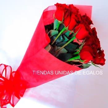 Tortas.com.pe - Ramo Graduacion - Codigo:OFX12 - Detalles: Lindo Ramo de 12 Rosas en color Rojo, ideal regalo para una fecha especial. - - Para mayores informes llamenos al Telf: 225-5120 o 476-0753.