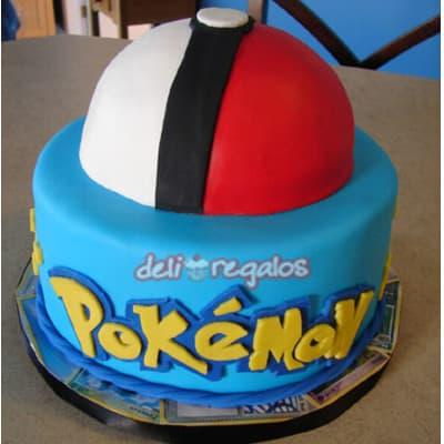 Poke Torta 02 - Codigo:PKG12 - Detalles: Deliciosa torta de keke ingles bañada con manjar blanco y decorada con masa elastica. Medidas 15cm de diametro y pokebola de 10cm forrada en masa elastica.. Presente incluye dedicatoria.  - - Para mayores informes llamenos al Telf: 225-5120 o 4760-753.