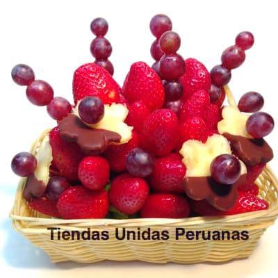 Grameco.com - Regalos a PeruArreglo Frutal en Cesta 02