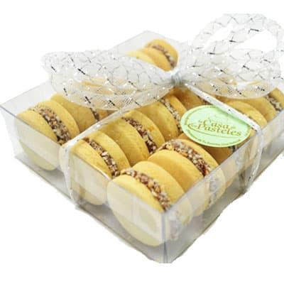 I-quiero.com - Pack de 12 alfajores - Codigo:SEC03 - Detalles: 12 deliciosos Alfajores en una elegente caja transparente. incluye tarjeta de dedicatoria. - - Para mayores informes llamenos al Telf: 225-5120 o 476-0753.