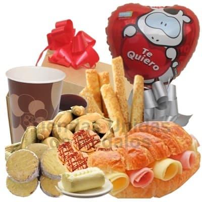Lafrutita.com - Desayuno Secretaria 04 - Codigo:SET18 - Detalles: Desayuno conteniendo: Jugo de Frutas, porcion de panecillos gourmet, rosquitas, palitos de ajonjoli, galletas chocochip x 4, sandiwch de lomito ahumado, porci�n de mantequilla, porci�n de mermelada, juego de cubiertos de acr�lico y tarjeta de dedicatoria,  El presente incluye un globo met�lico de 20cm con mensaje Te quiero.  - - Para mayores informes llamenos al Telf: 225-5120 o 476-0753.